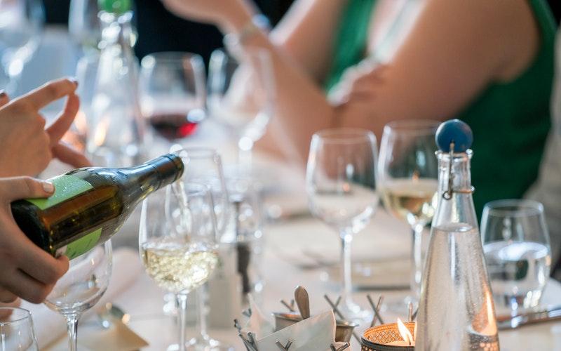conseils rapide pour savoir servir correctement le vin