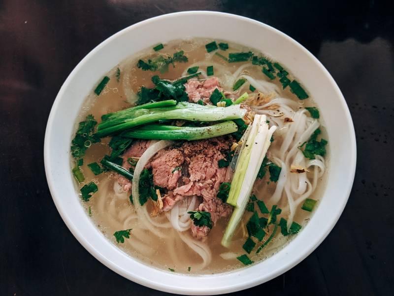 La cuisine vietnamienne et son aromatique soupe phô