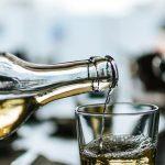 Comment déglacer un plat au vin blanc ?